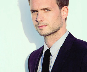 suits, patrick j adams, and Hot image