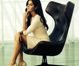 actress, classy, and dress image