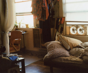 room, vintage, and pillow image