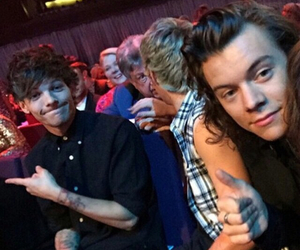 Harry Styles, louis tomlinson, and one direction image