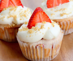 cupcake, food, and cute image