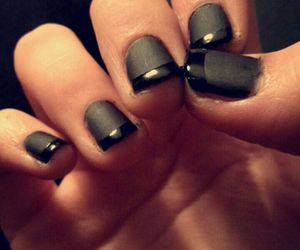 black, glossy, and matte image