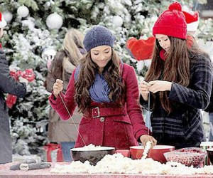christmas, elena gilbert, and bonnie bennet image