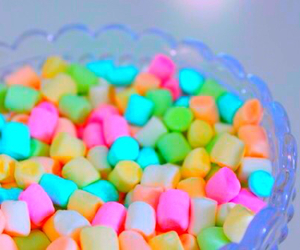 food, marshmallow, and bright image
