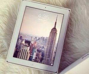ipad, new york, and apple image
