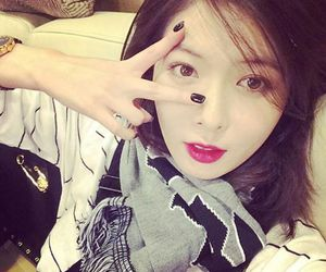 beautiful, red lips, and hyuna image