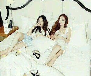 jessica jung and krystal jung image