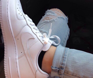 grunge, jeans, and trainers image
