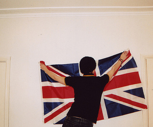 england, boy, and uk image