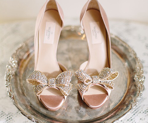 bow, heals, and shoes image