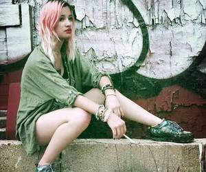 alt model, grunge, and pink hair image