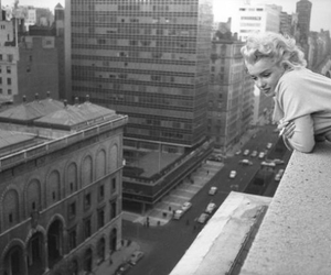 Marilyn Monroe, black and white, and city image