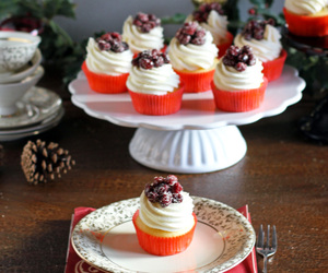 cranberry, cream cheese, and cupcakes image