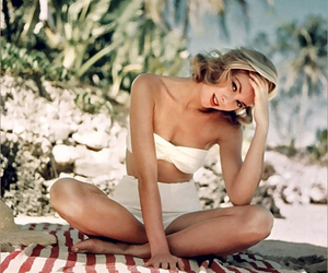 beach, love, and grace kelly image