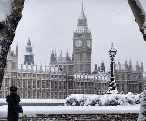 snow, london, and winter image