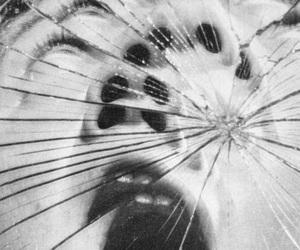 mirror, scream, and broken image
