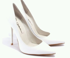 darling, campbell, and pumps image