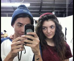lorde and her bf image