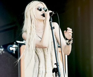 concert, punk, and the pretty reckless image