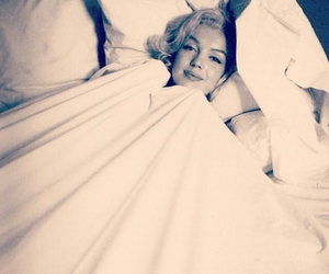 bed, celeb, and Marilyn Monroe image