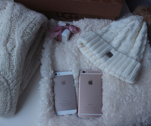 iphone, sweater, and christmas image