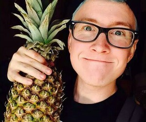 tyler oakley, pineapple, and youtube image