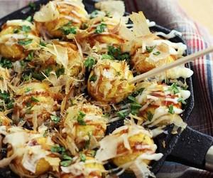 food, takoyaki, and yammy image