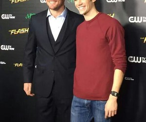 arrow, stephen amell, and grant gustin image