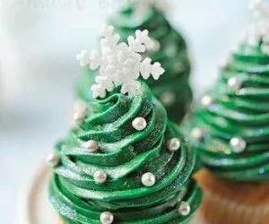 christmas, cupcake, and christmas tree image