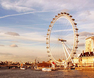london eye and sight image