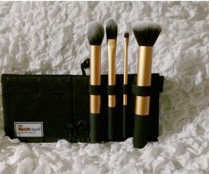 makeup brushes, real techniques, and core collection image