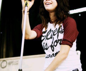 singer and tay jardine image