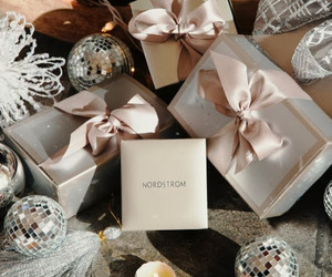 christmas, gift wrapping, and gifts image