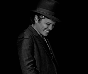bruno mars and concert image