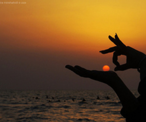 sun, sunset, and hands image