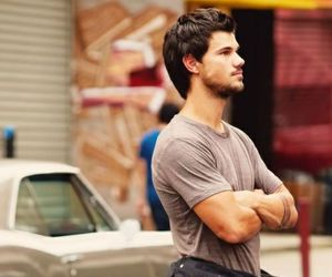 Taylor Lautner, guy, and tracers image