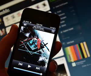 music, skrillex, and ipod image