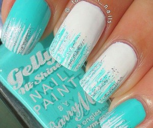 mint and nails art image