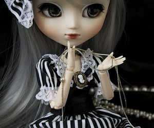 beauty, pullip, and toys image