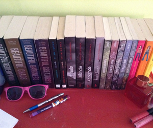 books, pretty little liars, and collection image