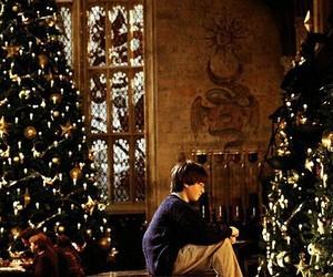 harry potter, christmas, and hogwarts image