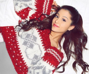 quality, christmas sweater, and ariana grande image