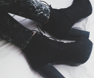 jeans and lita boots image