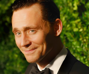 tom hiddleston, actor, and fandom image