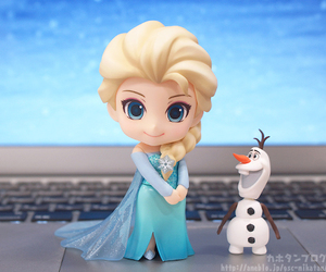 frozen and elsa doll image