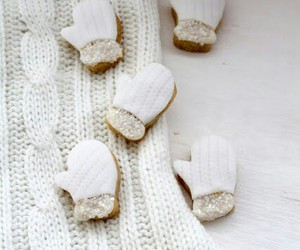 Cookies and mitten image
