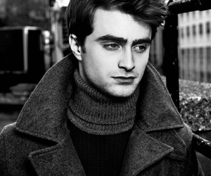 daniel radcliffe, harry potter, and radcliffe image