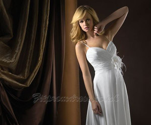 sleeveless, wedding dress, and chiffon image
