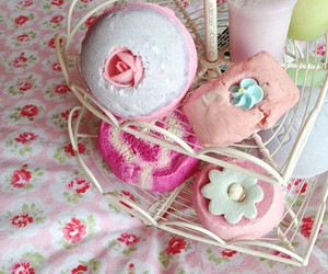 bath bombs, bubblegum, and cosmetics image