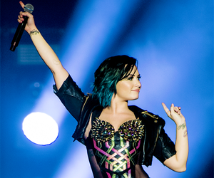 demi lovato, demi, and concert image